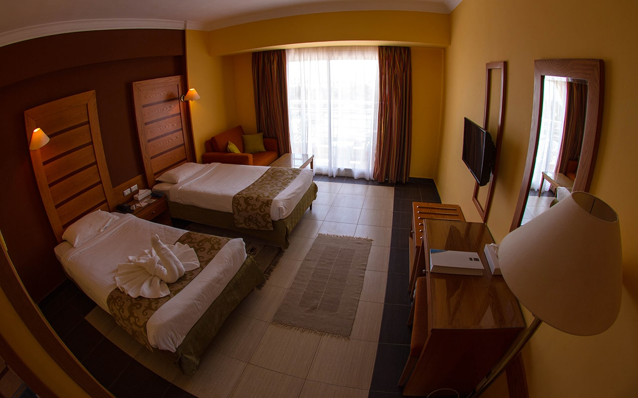 SEA VIEW Room-min