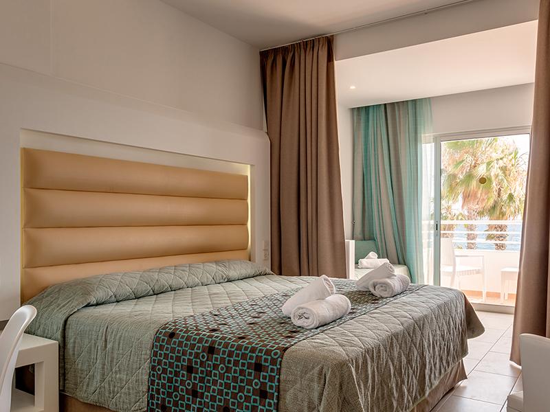 SENTIDO_Cypria_Bay_Family_Room