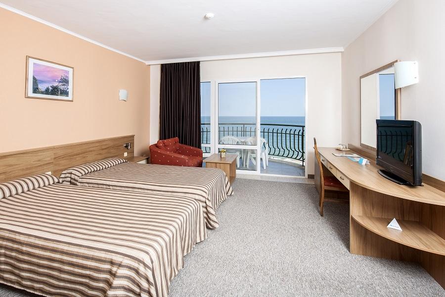 SENTIDO_Golden_Star_1_standard_double_room