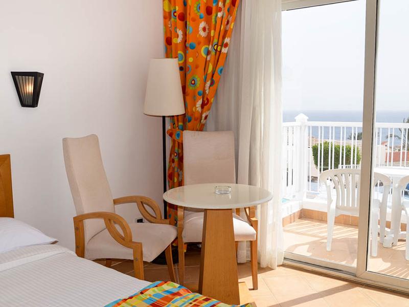 SIDE SEA VIEW ROOM (4)