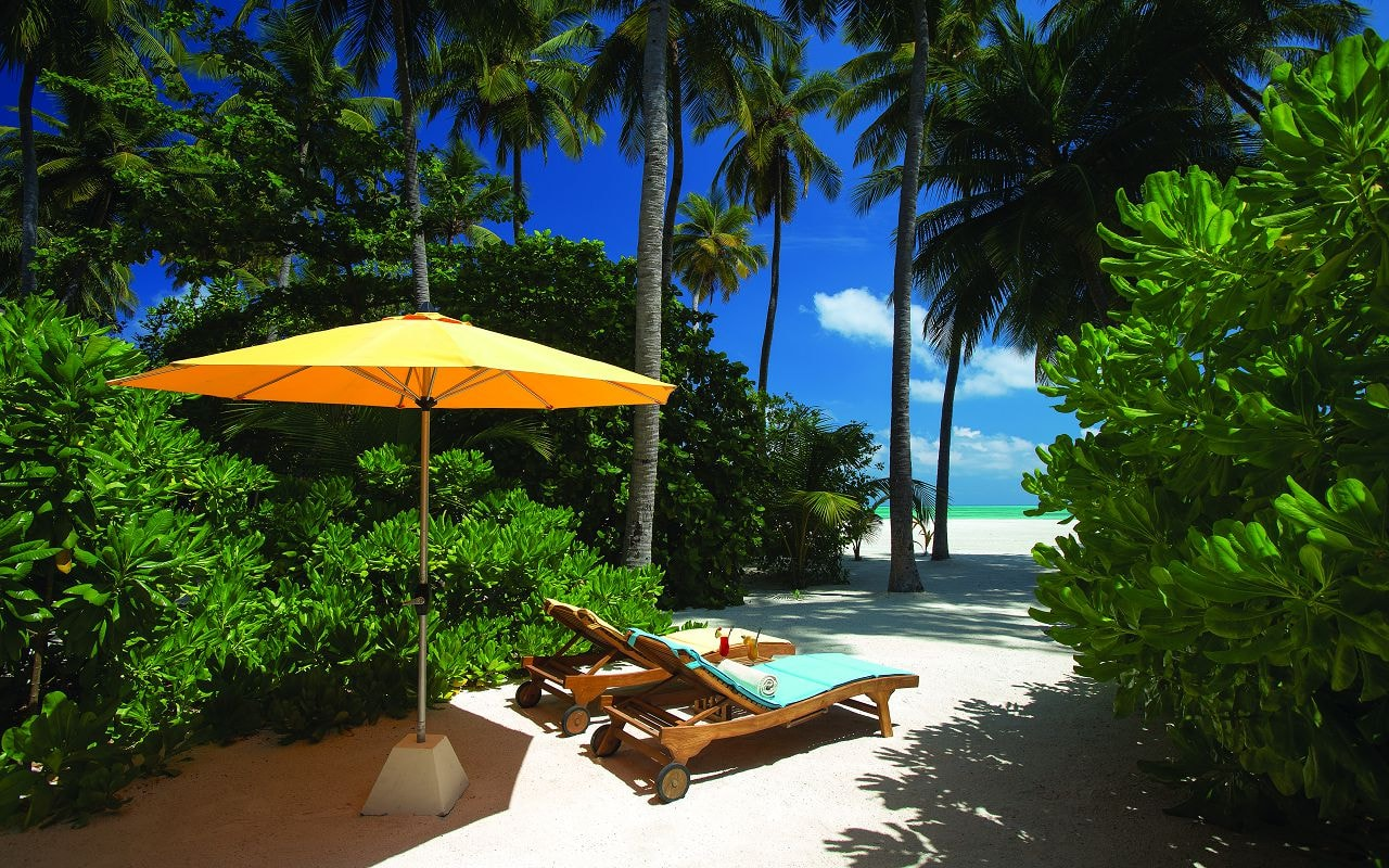 SUNSET BEACH VILLA - EXTERIOR VIEW - ATMOSPHERE KANIFUSHI MALDIVES-min