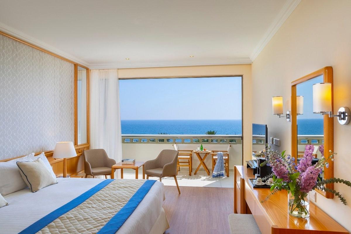 SUPERIOR-ROOM-Sea View-min