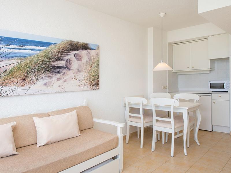 Sea-View Apartment_1