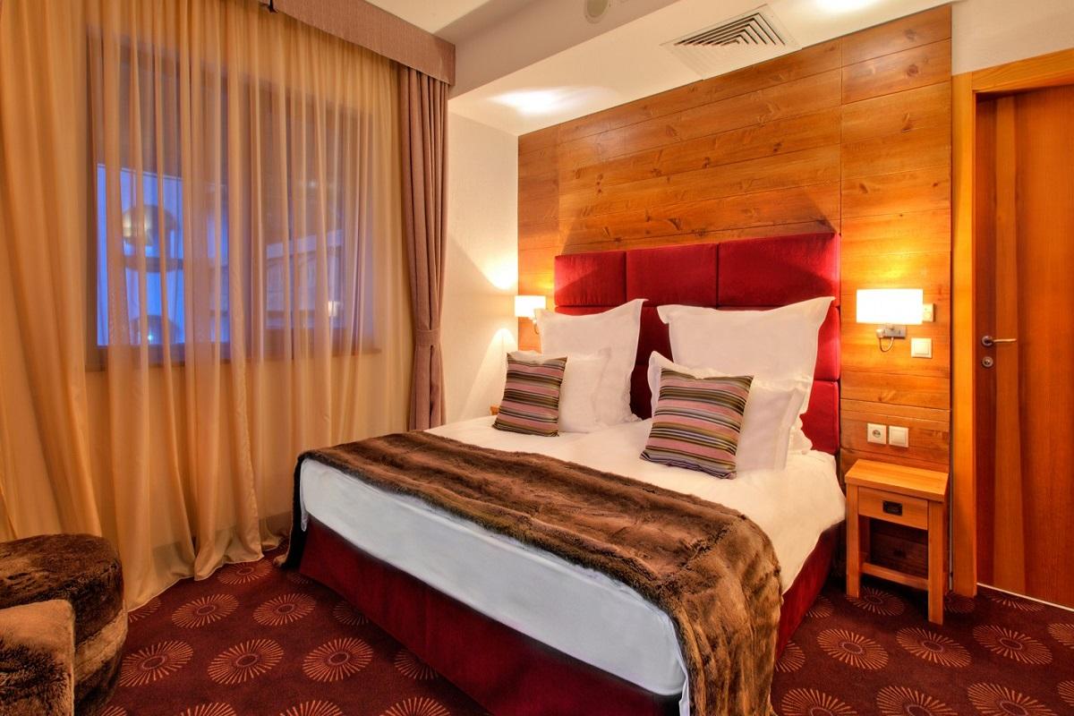 SetHeight800-Alpine-Suite-bedroom11148Original-5