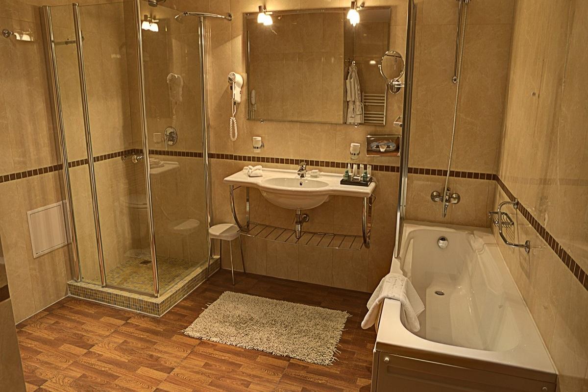 SetHeight800-Executive-room-bathroom9630Original5
