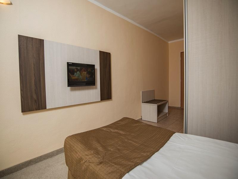 Single Room 02