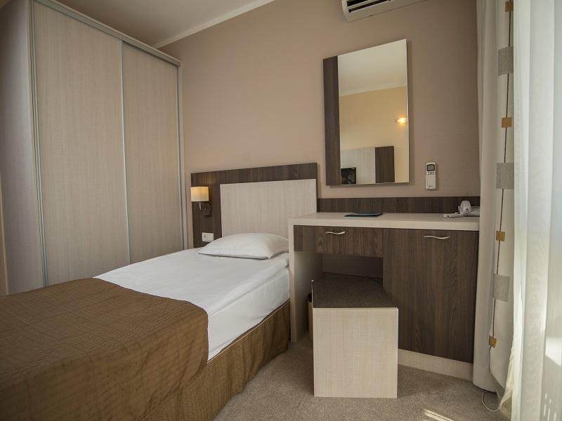 Single Room 03