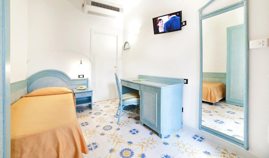 Single Room - Main Building -min