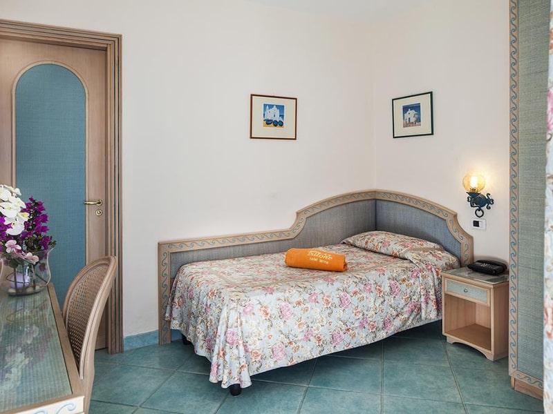 Single Room with Sea View-min