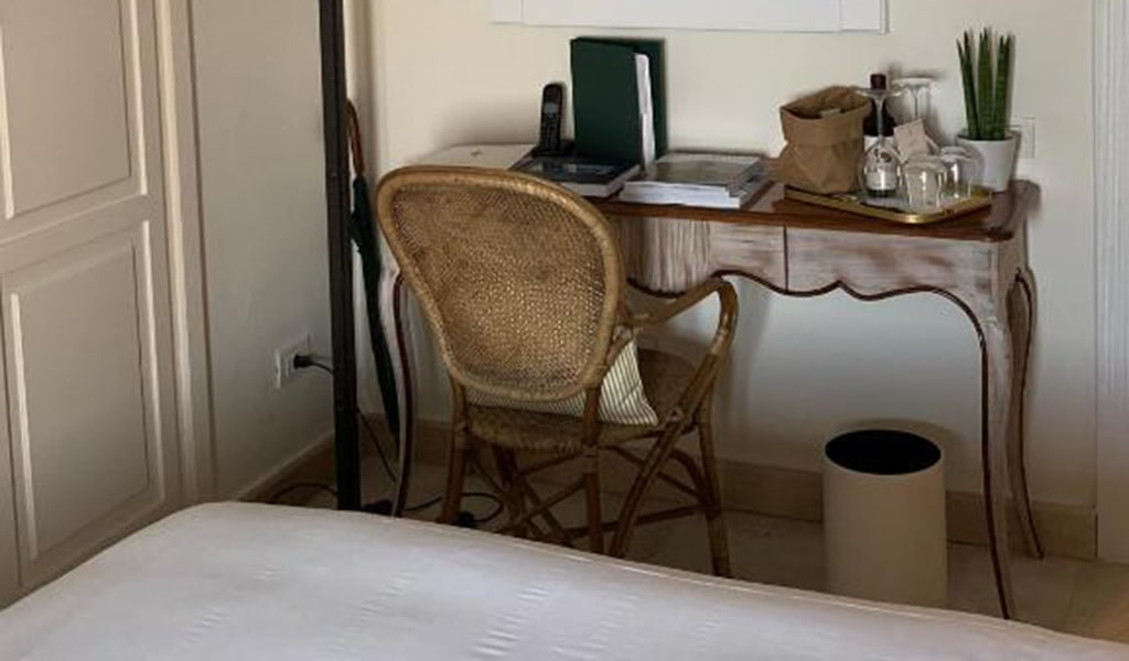 Single-Room-with-Sea-View-min