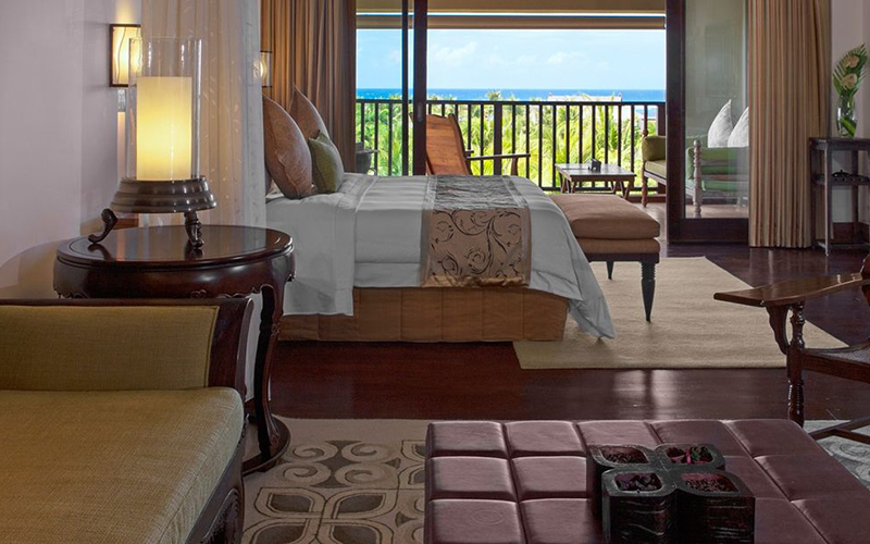 St Regis Ocean Suite2