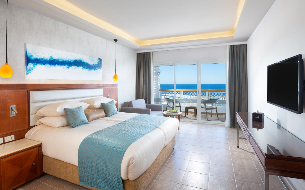 Stanadrd Room King Bed 1-min
