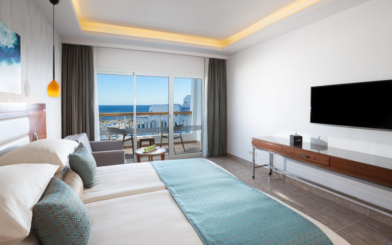 Stanadrd Room King Bed 3-min