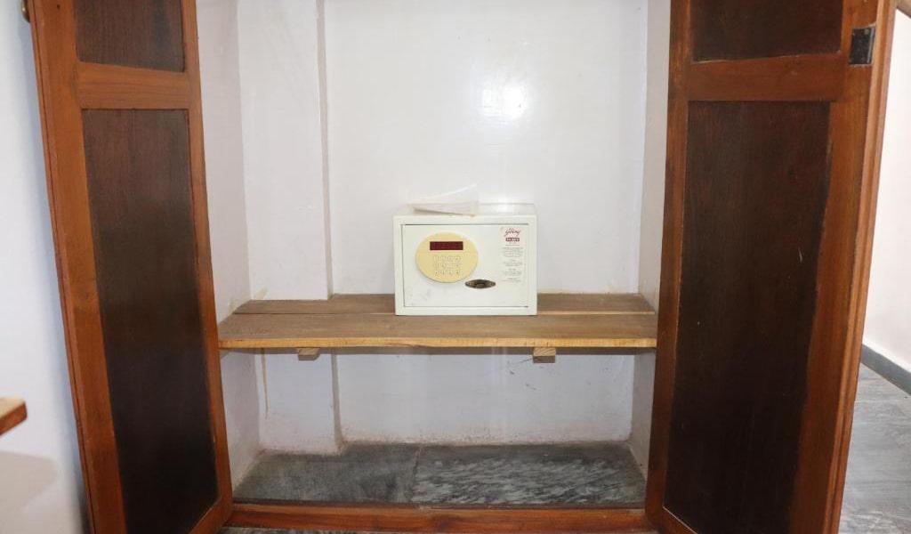 Standard-Double-Room-with-Fan7-min