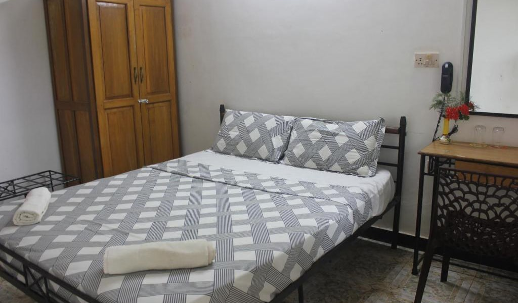 Standard-Double-Room-with-ac2-min