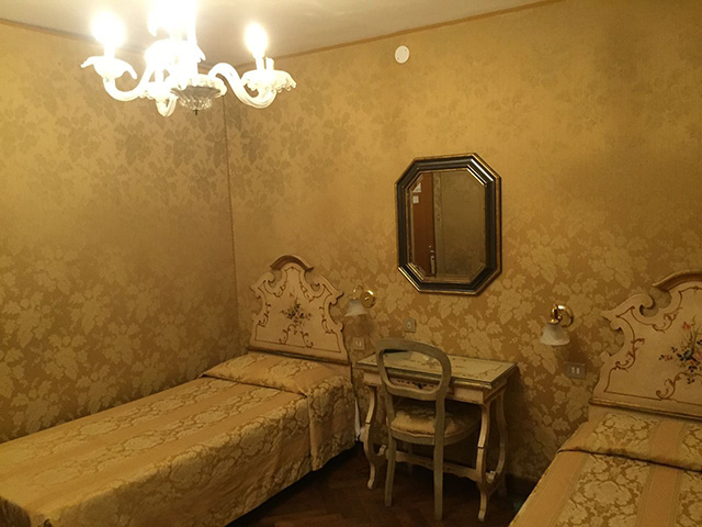 Standard Double - Twin Room2
