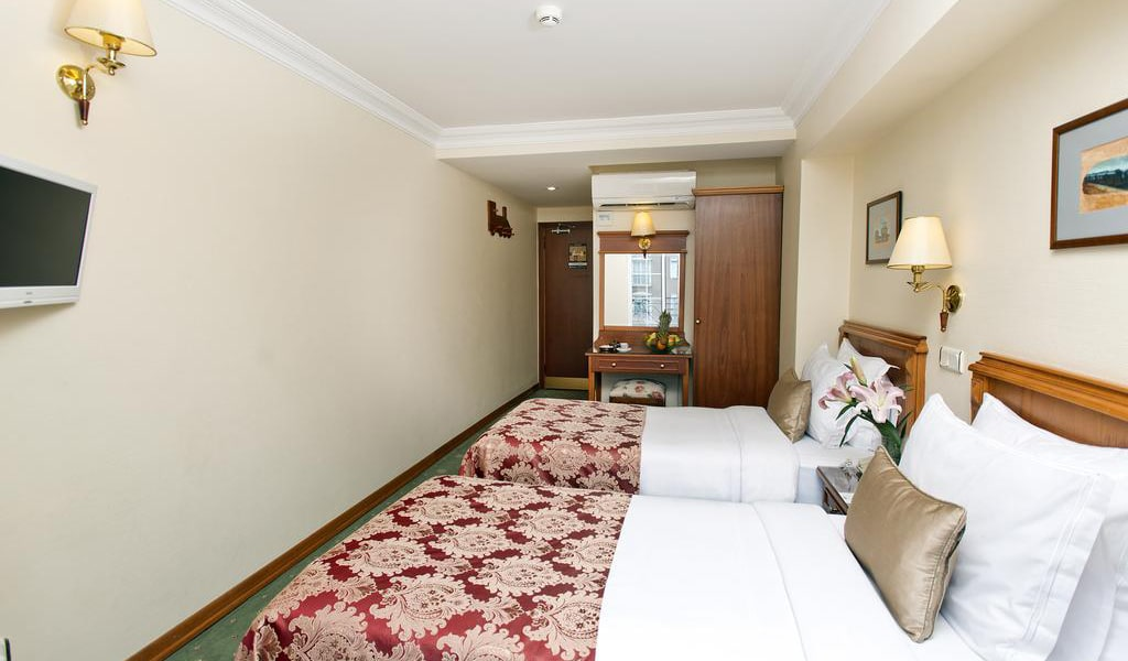 Standard Double or Twin Room 5-min
