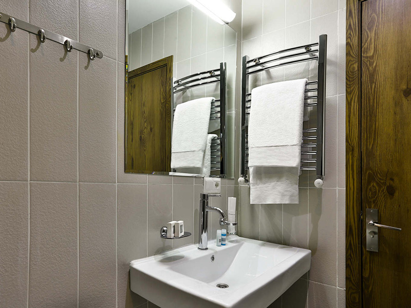 Standard Double or Twin Room4