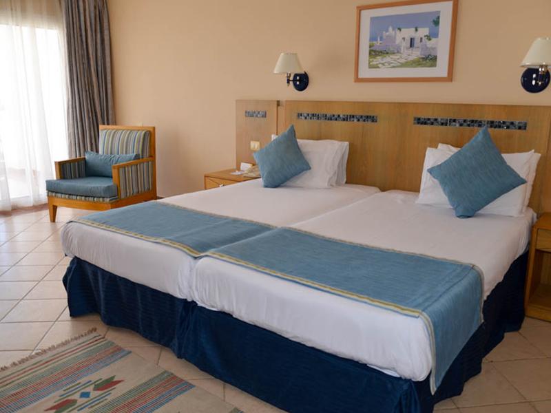 Standard Pool View Room (2)
