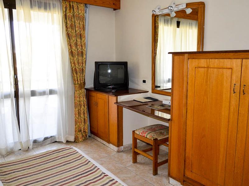 Standard Room (5)