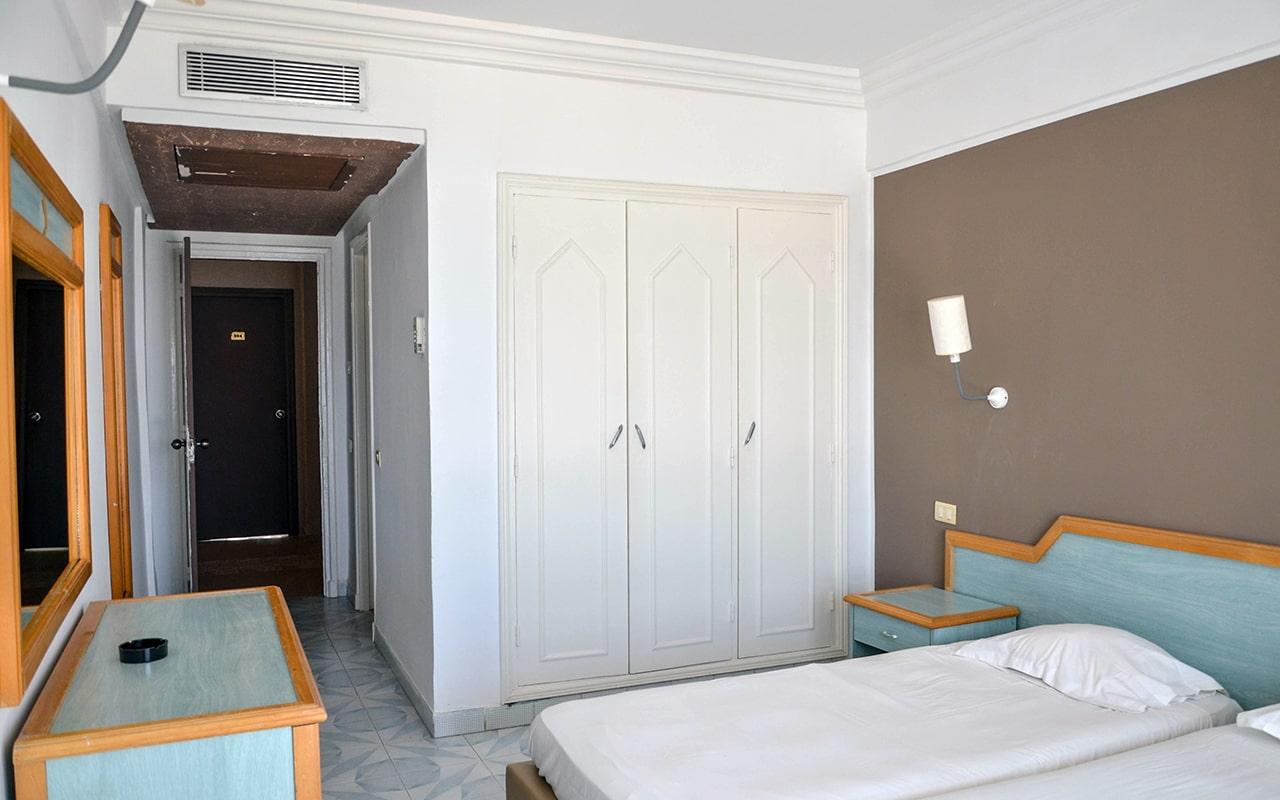 Standard Room Sea View_03-min
