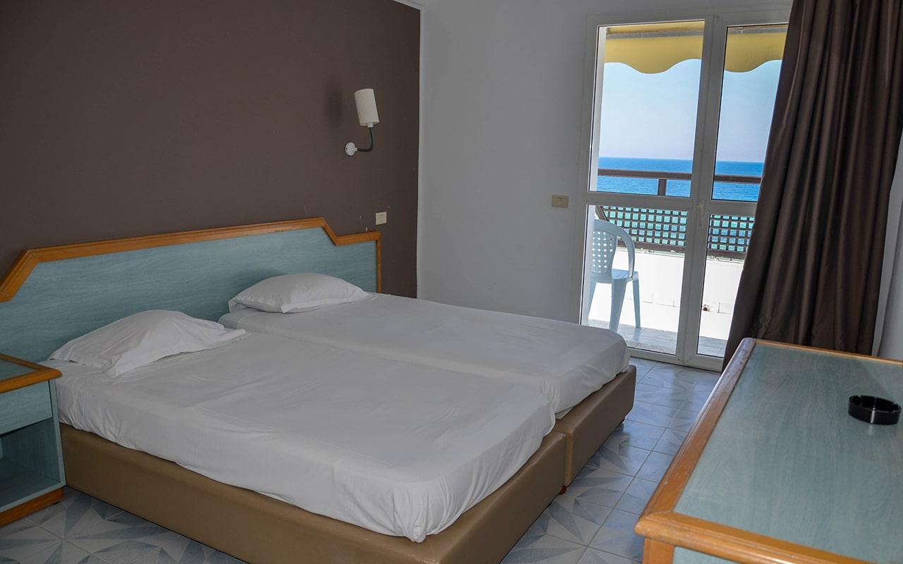 Standard Room Sea View_06-min