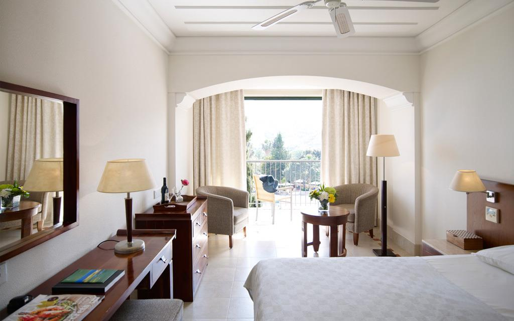 Standard-Room-Side-Sea-View