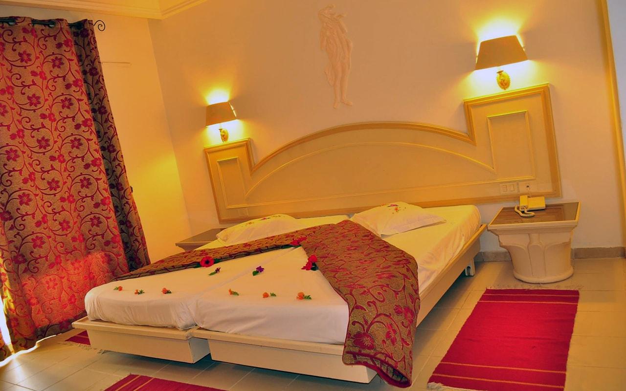 Standard Room_04-min
