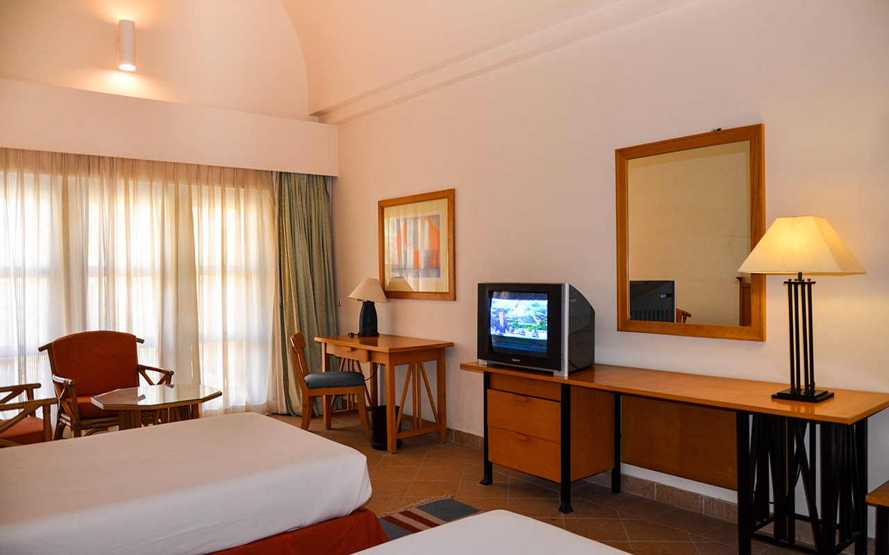 Standard-Room_05-min-1
