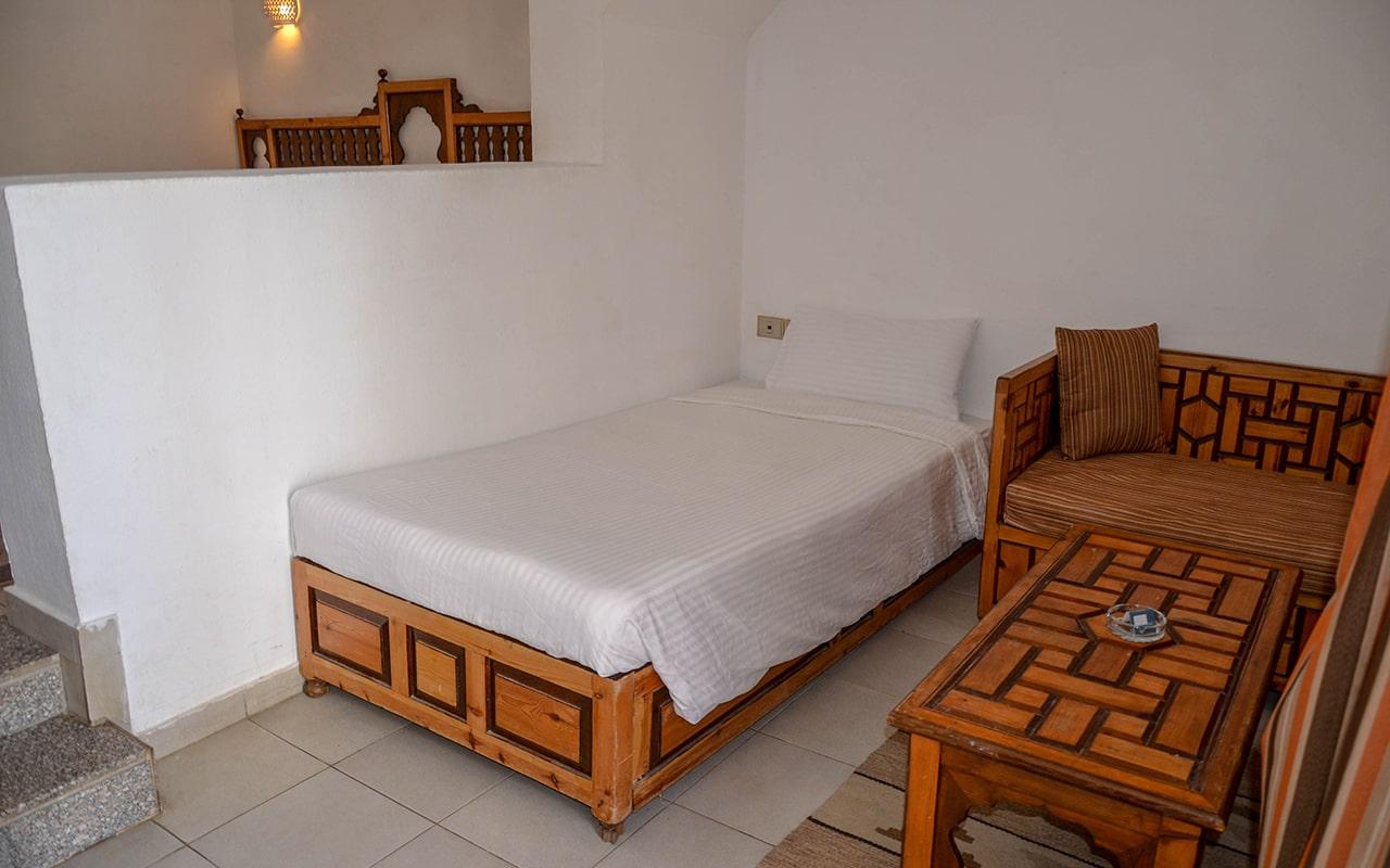 Standard-Room_05-min