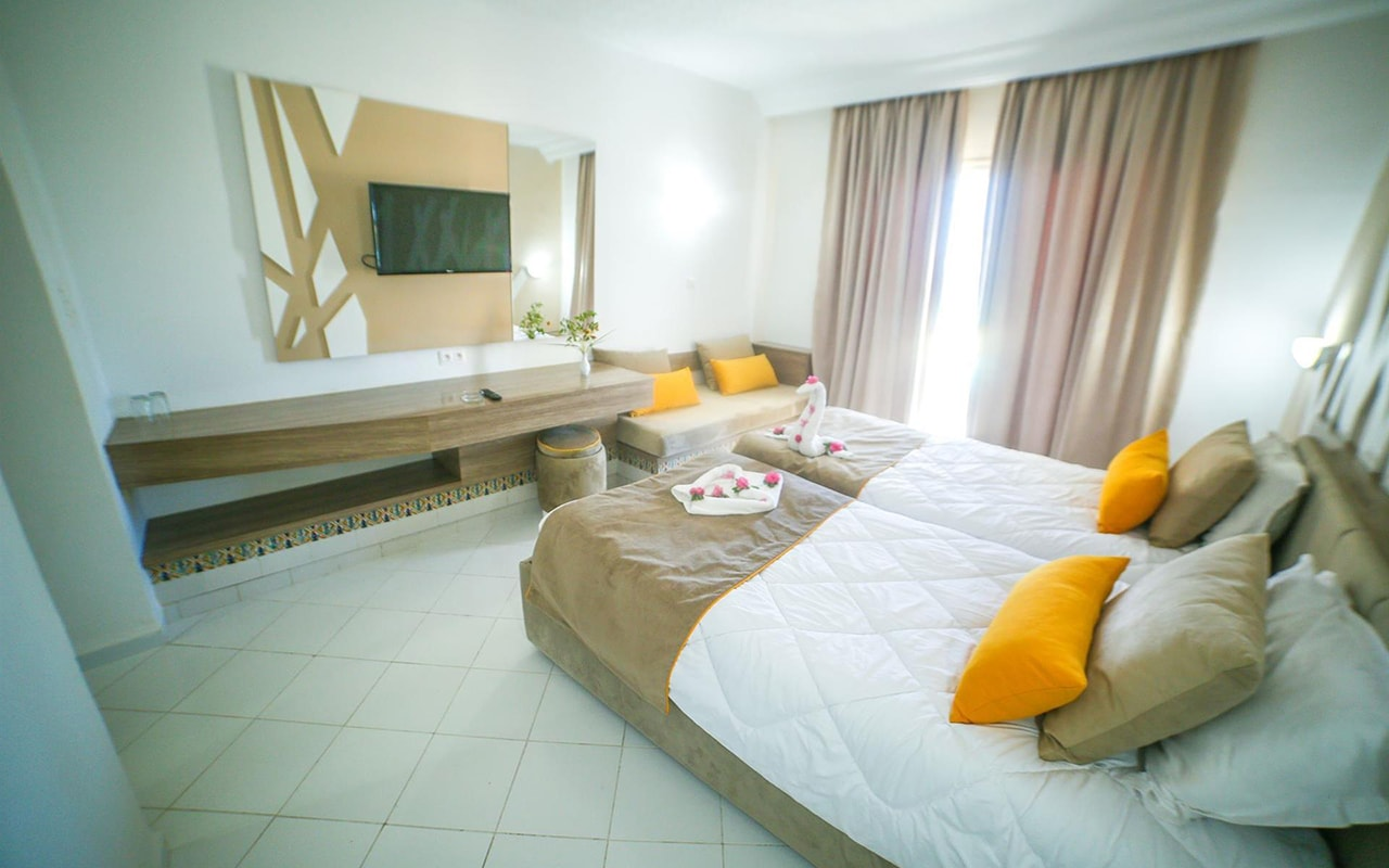 Standard Room_06-min