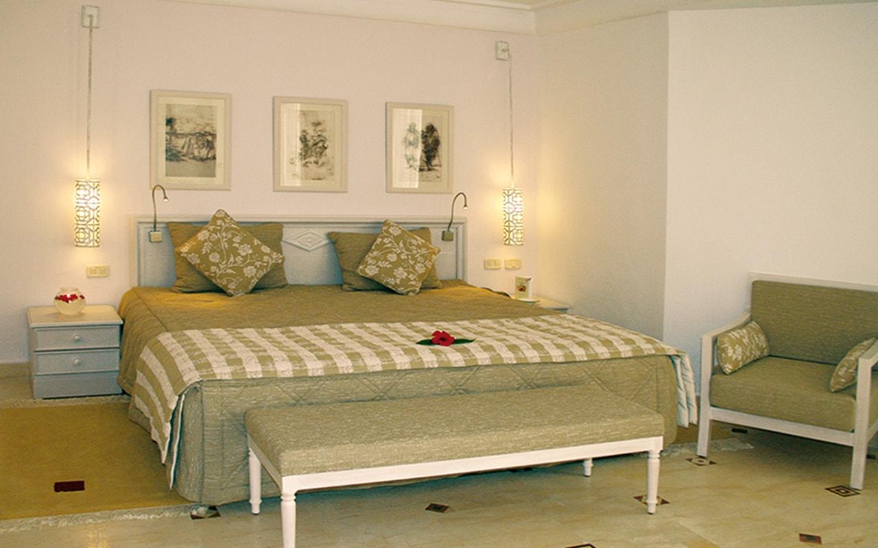 Standard Room_07-min