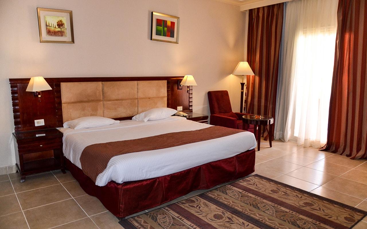 Standard Room_08-min