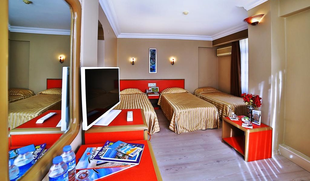 Standard Triple Room 1-min