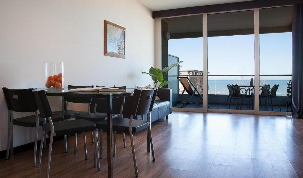 Studio-with-Sea-View---Split-Level-(4-Adults)-2-min