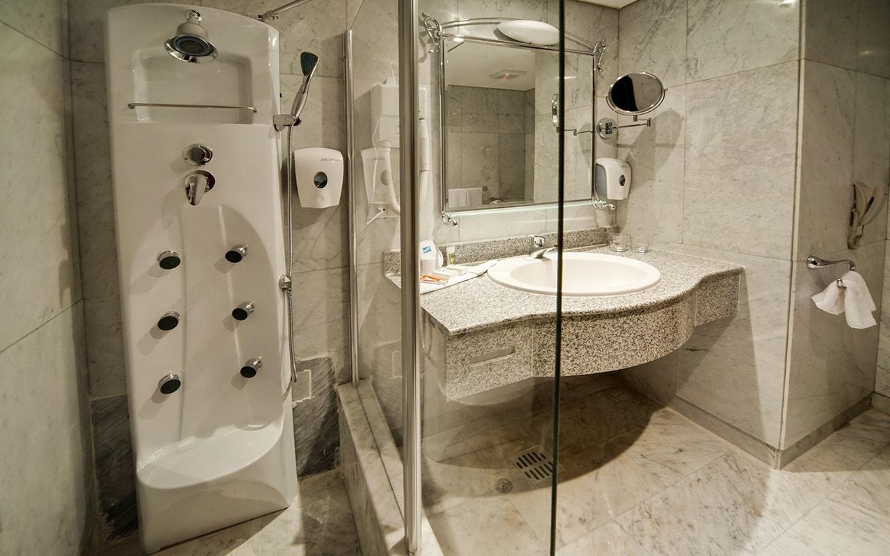 Suite Bath-min