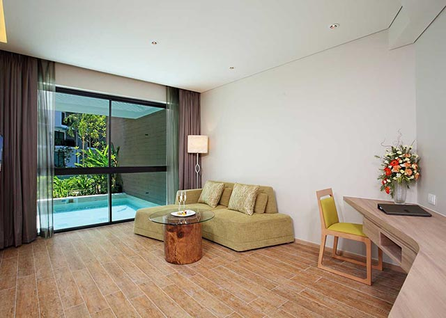 Suite Life Private Pool