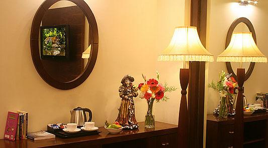 Suite Living Room -03
