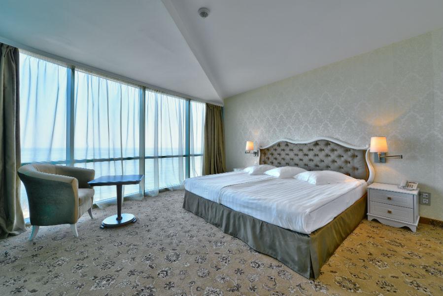 Suite deluxe_bedroom_1