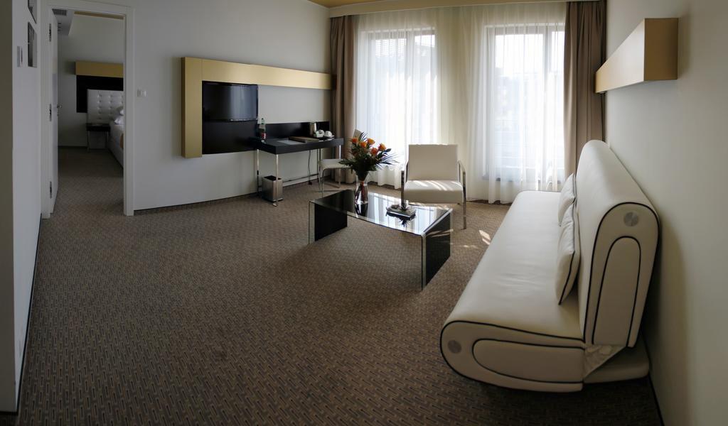 Suite4-min