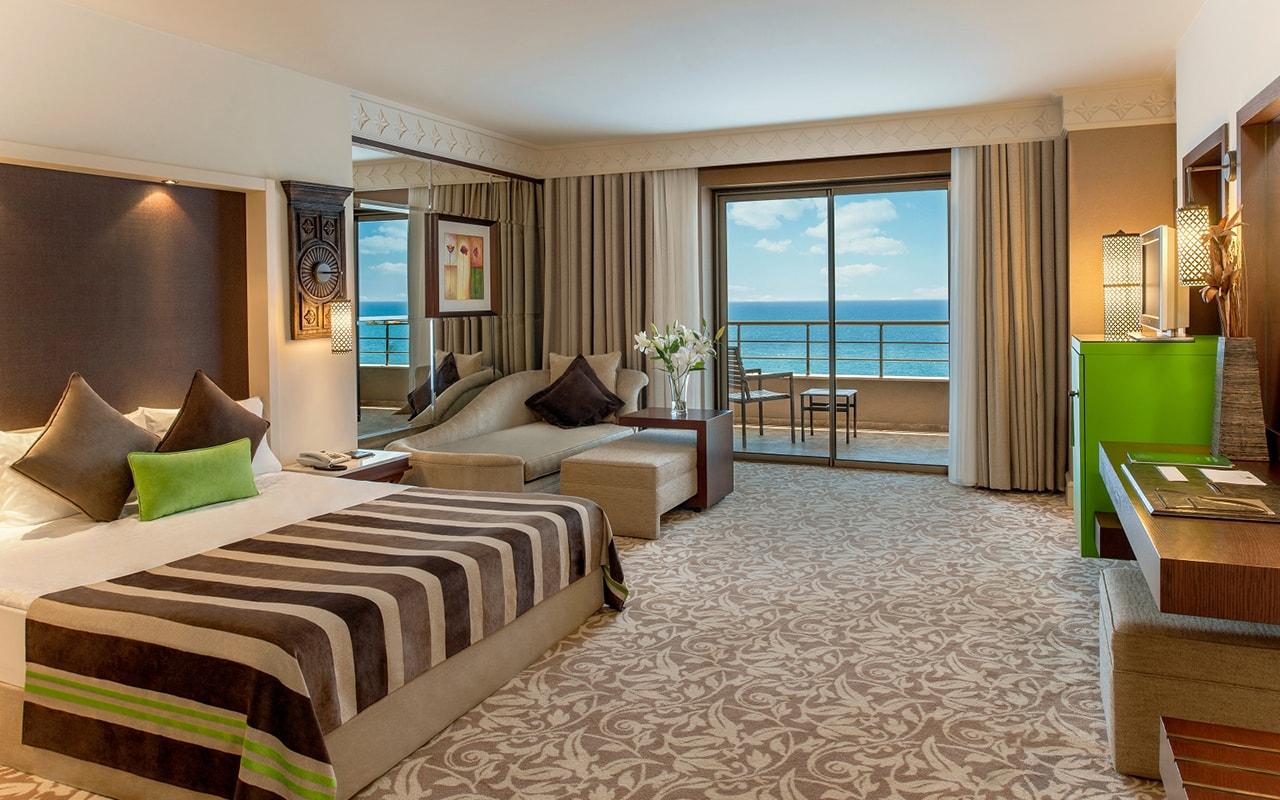 Superior-Deluxe-Sea-View-Room-2-min