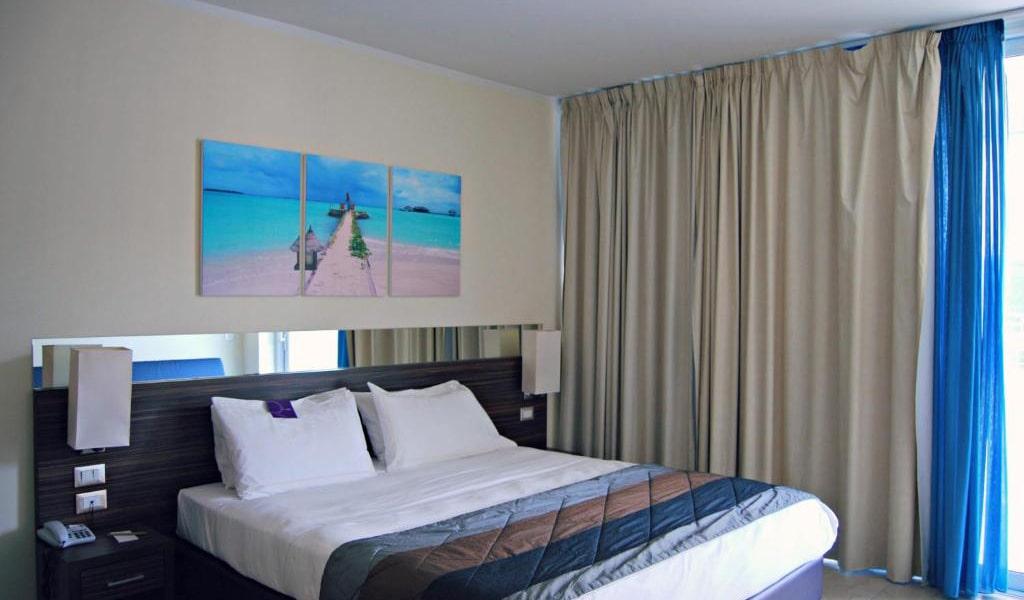 Superior-Double-Room-with-Balcony-min