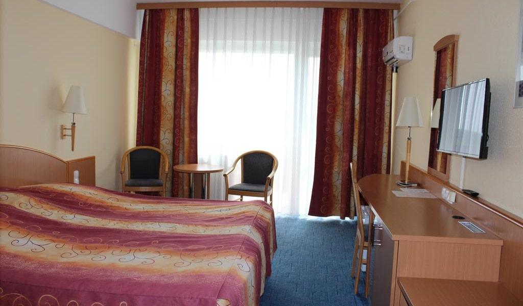 Superior Double Room2-min