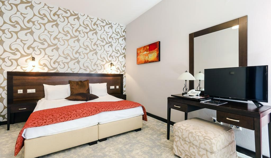 Superior Double Room4-min