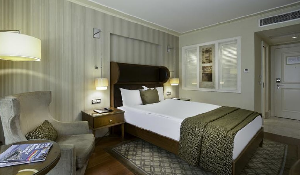 Superior Double or Twin Room 2-min