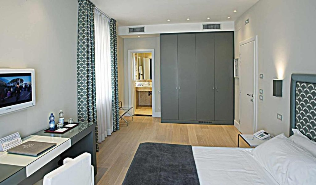 Superior-Double-or-Twin-Room-3-min