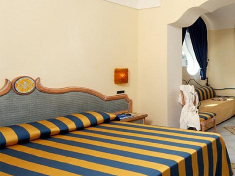 Superior Double or Twin Room with Garden View3-min