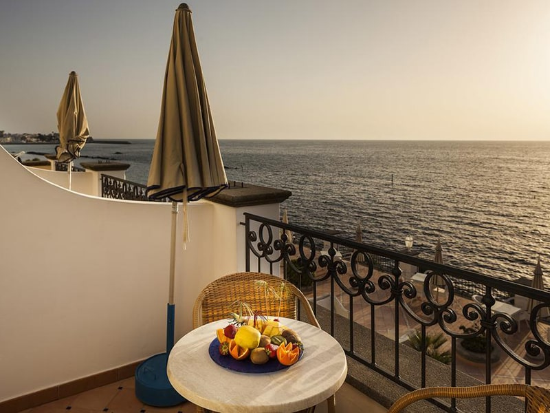 Superior Double or Twin Room with Sea View4-min
