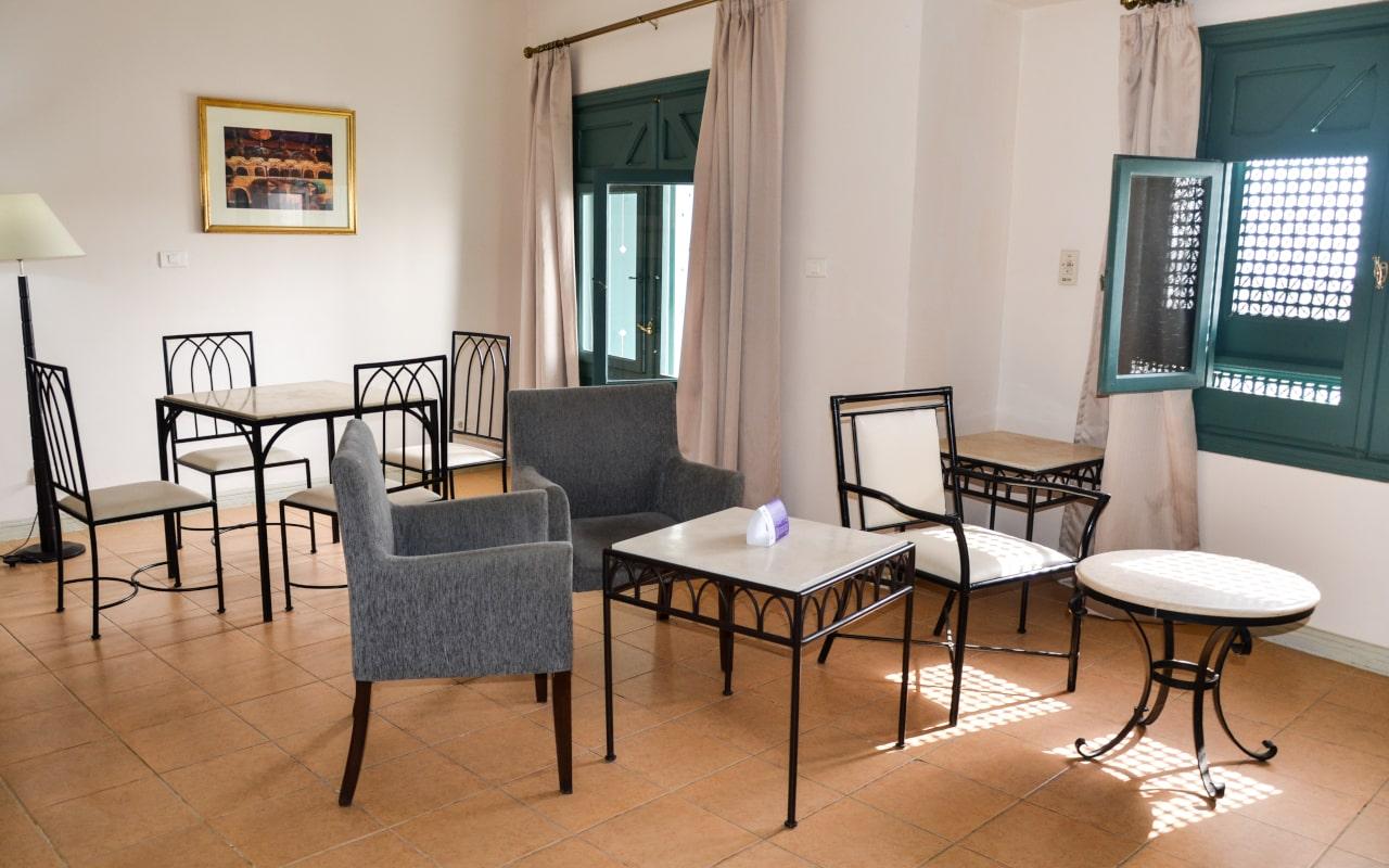 Superior Family Room1-min