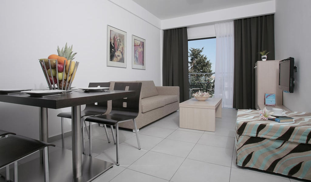Superior-One-Bedroom-Apartment-(2-Adults-+-2-Children)-min